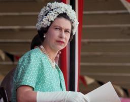queen-elizabeth-ii-wearing-flowered-cap